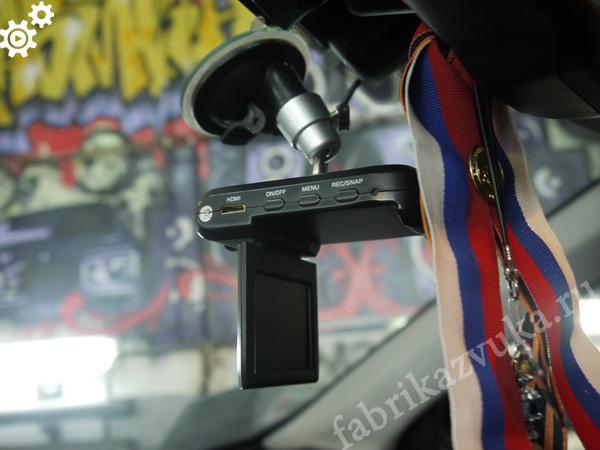 крепление видеорегистратора в toyota rav-4