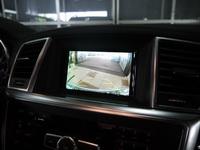 Камера на штатный монитор в Mercedes-Benz GL400