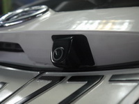 Установка   камеры в Toyota Sienta