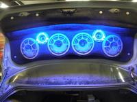 Подиум   для акустики в BMW 325i E46